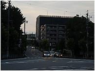 02501